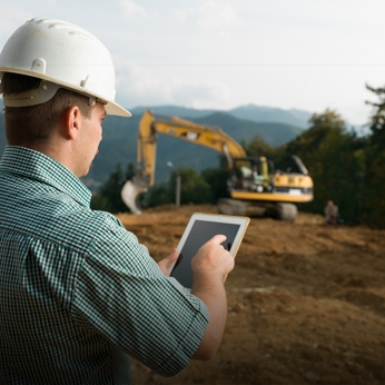 Excavator Foreman on Tablet